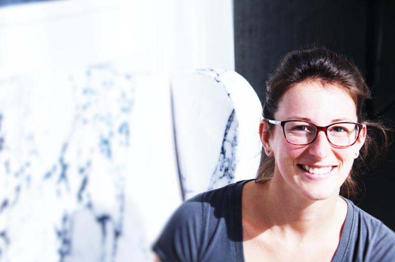Annie Ferlatte, est conceptrice de systèmes intelligents